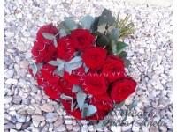 Dárková kytice z růží a eukalyptu