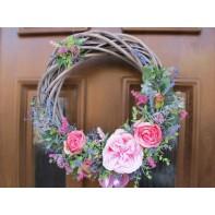 Věneček s růžemi a levandulí šedý ...