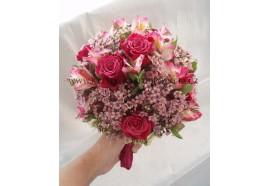 Svatební kytice Lenka - netradiční kulatá vypichovaná kytice...1400,-