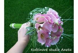"""Svatební kytice Michaela z kal - """"žezlo"""" z kal a trávy beargrass. Vhodná pro vyšší nevěstu...1360,-"""