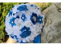 Saténová svatební kytice královsky modrá
