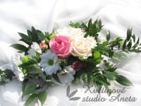 Svatební aranžmá na stůl růžové...