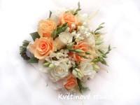 Svatební kytice lososové růže...