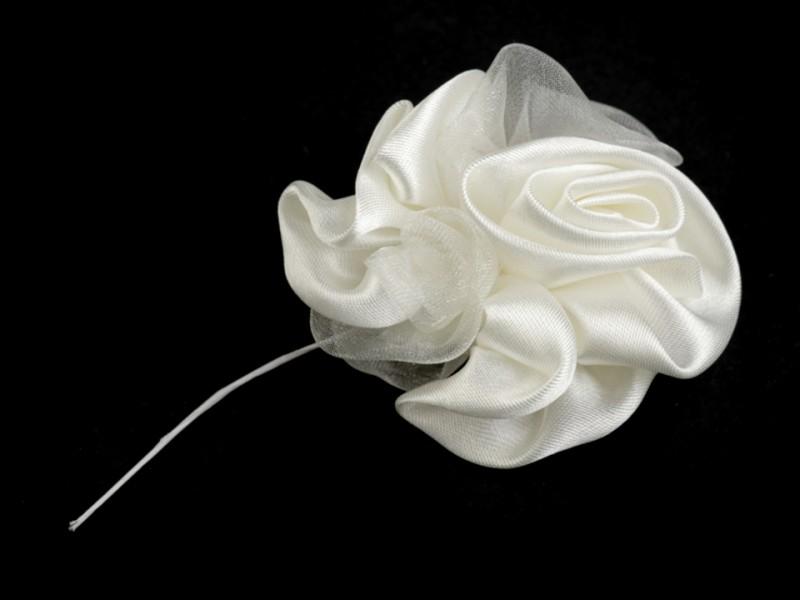 Saténová růže na drátku krémová