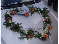 Dekorace na svatební vůz srdce...