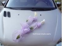 Dekorace na svatební vůz z kal...