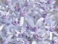 Vývazky, svatební mašličky na myrtu bílá s růžičkou fialovou...