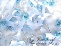 Vývazky, svatební mašličky na myrtu bílá s růžičkou modrou...