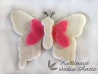 Filcový motýl bílý...