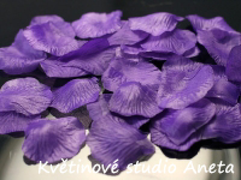 Okvětní plátky fialové tm. II. 100ks