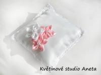 Polštářek na prstýnky 3 květy růžový...
