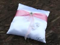 Polštářek na prstýnky LUX růžový s broží...