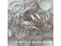 Svatební dekorace-prstýnky stříbrné...
