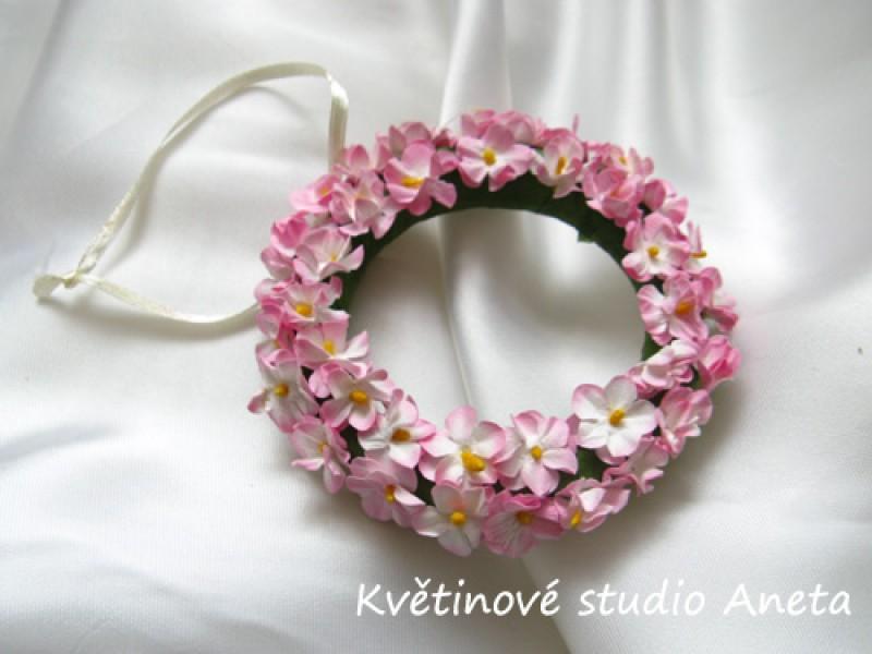 Věneček s kvítky růžový