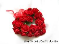 Věneček srdce s kvítky červený...