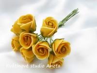 Poupě růže žluté tmavé...
