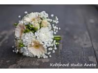 Svatební kytice karafiáty...